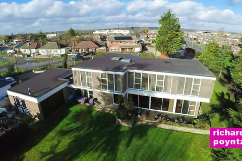 4 bedroom detached house for sale - Furtherwick Road, Canvey Island