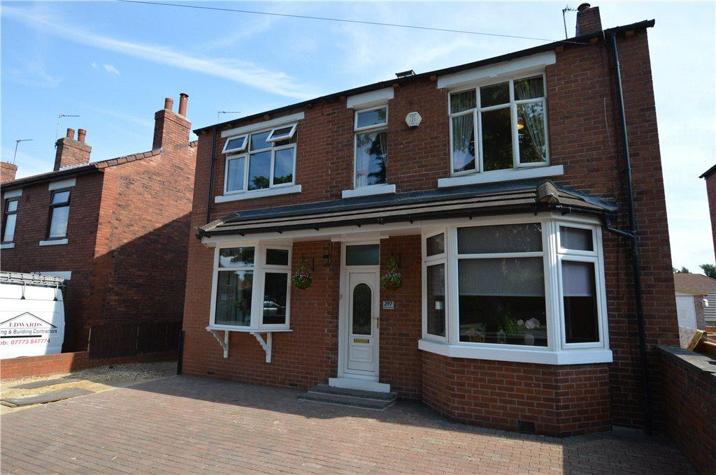 4 Bedrooms Detached House for sale in Dewsbury Road, Wakefield, West Yorkshire