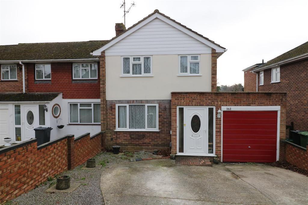 3 Bedrooms House for sale in Fairford Road, Tilehurst, Reading