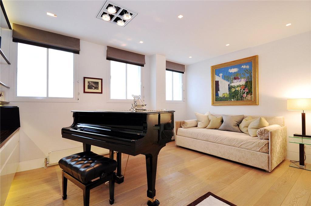 3 Bedrooms Maisonette Flat for sale in Milford House, 7 Queen Anne Street, London, W1G