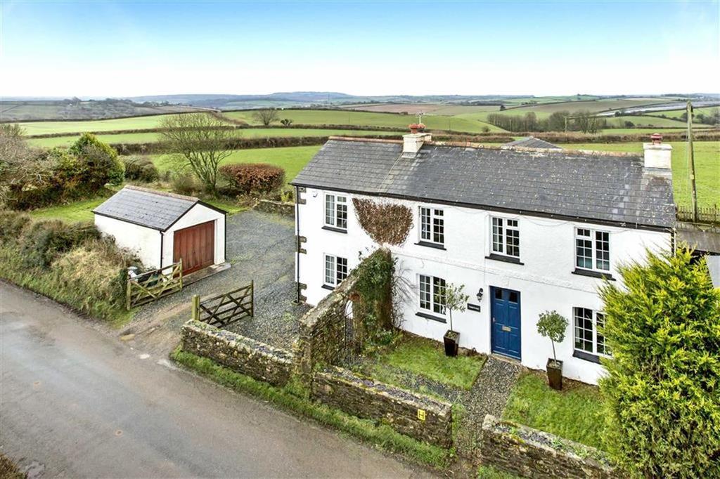 5 Bedrooms Detached House for sale in Liskeard, Cornwall, PL14