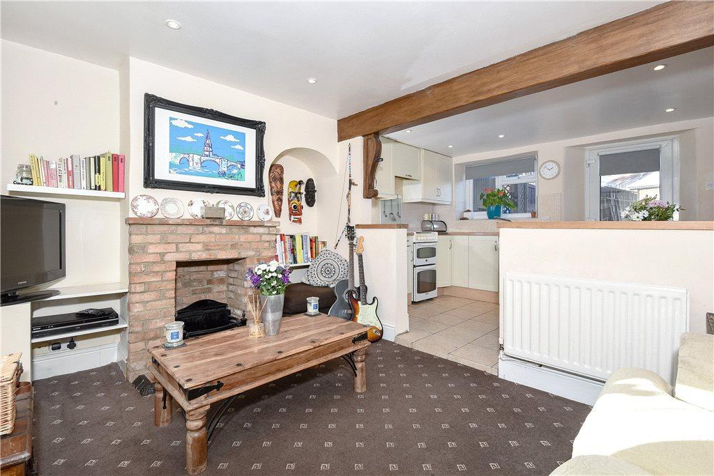 2 Bedrooms Terraced House for sale in Weston Road, Olney, Buckinghamshire