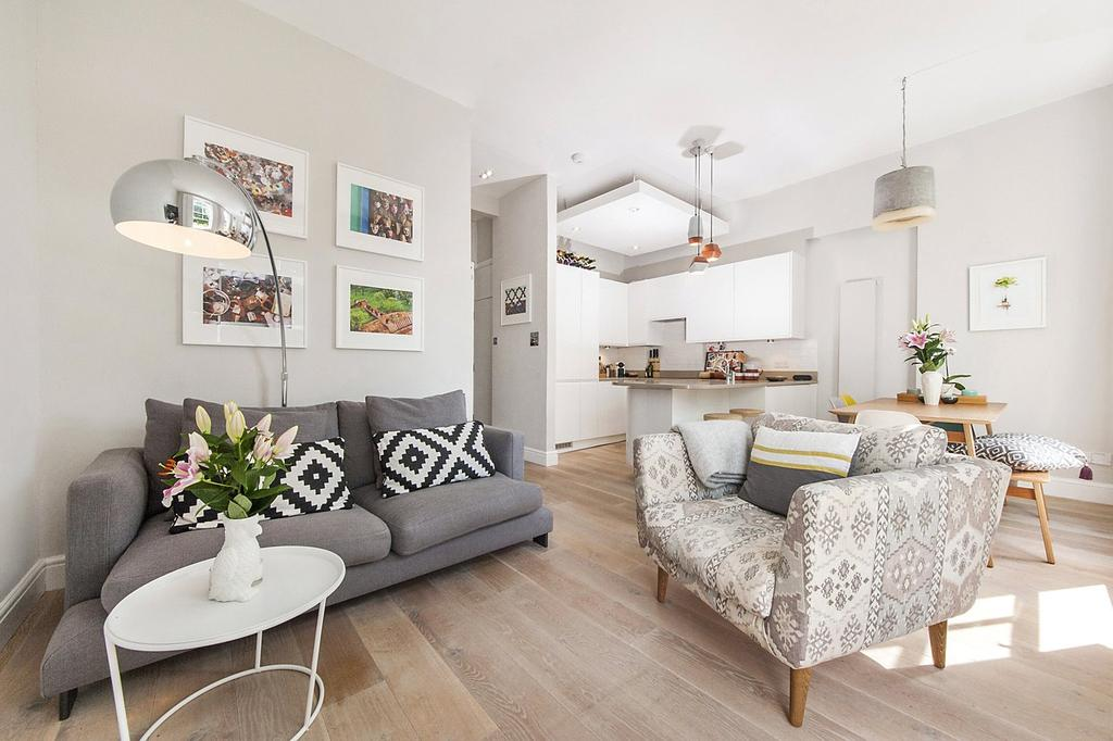 2 Bedrooms Flat for sale in Lawford Road, London