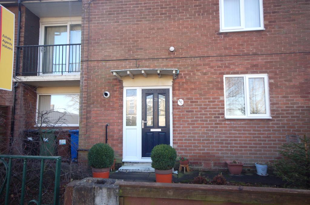 2 Bedrooms Ground Flat for sale in Outwood Road, Heald Green, Cheadle, Cheshire SK8