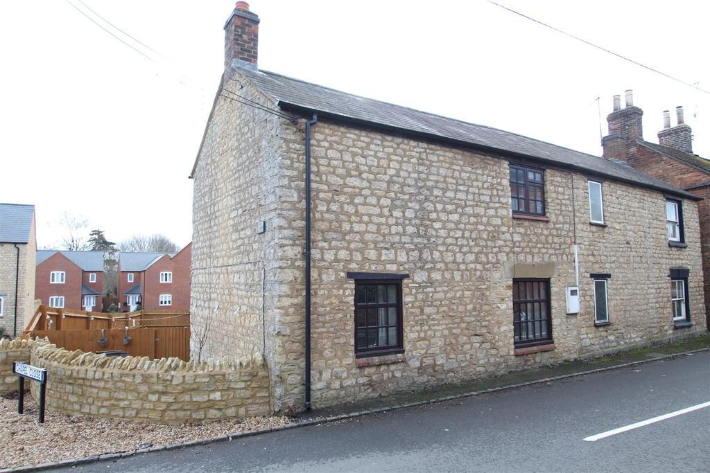 2 Bedrooms Cottage House for sale in High Street, Deanshanger, Milton Keynes