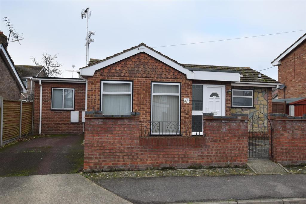 2 Bedrooms Detached Bungalow for sale in Zider Pass, Canvey Island