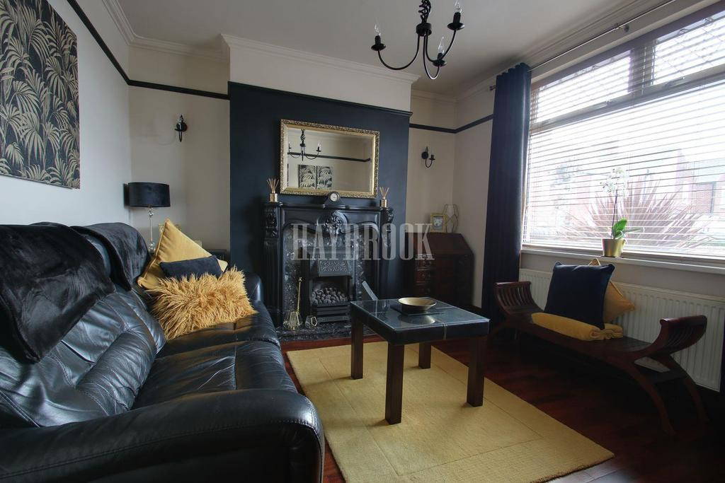2 Bedrooms Detached House for sale in Hampton Street, Hasland, Chesterfield, Derbyshire