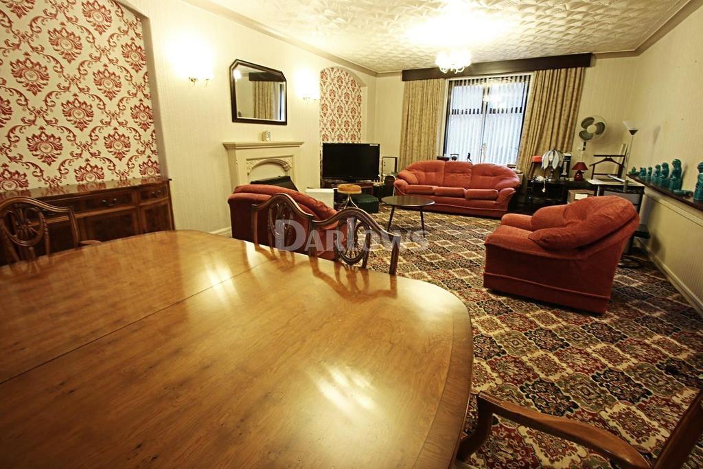 4 Bedrooms End Of Terrace House for sale in Oak Street, Abertillery, Gwent