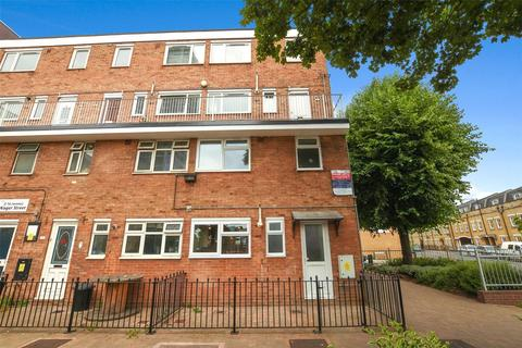 3 bedroom flat to rent - Wager Street, London, E3