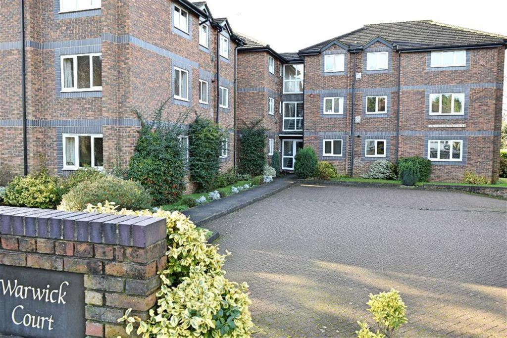 3 Bedrooms Flat for sale in Warwick Court, Sevenoaks, TN13