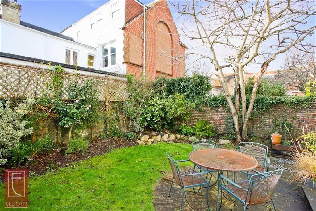 2 Bedrooms Maisonette Flat for sale in Pembroke Cres, Hove, East Sussex
