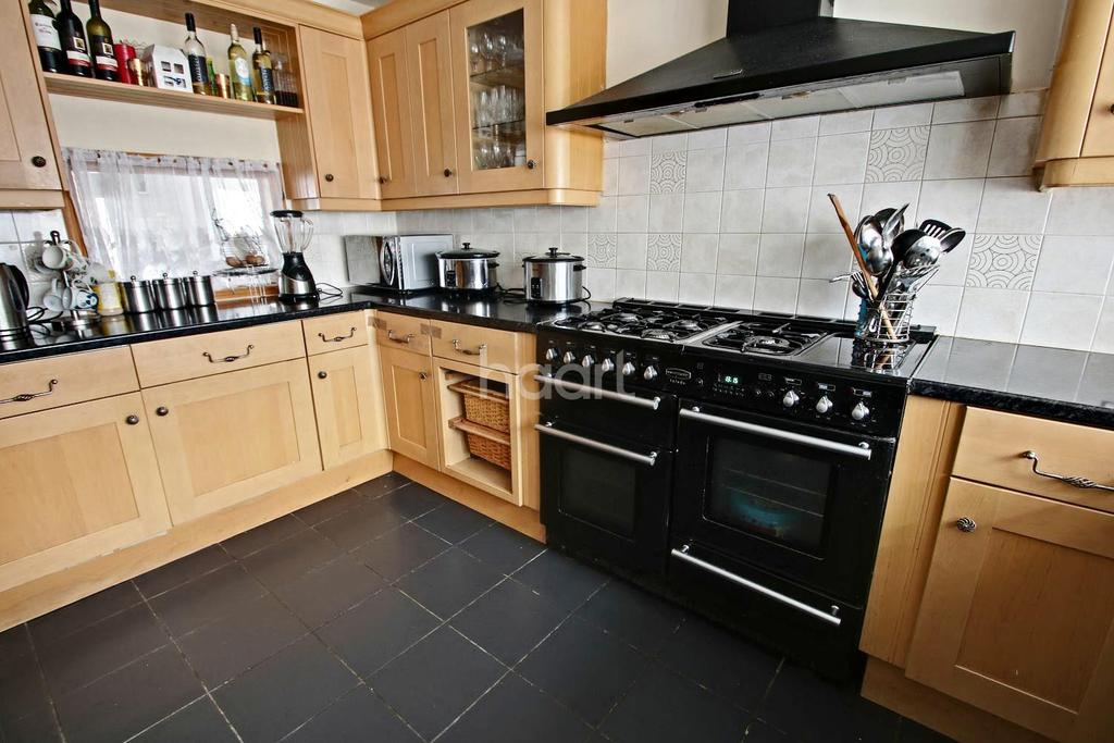 3 Bedrooms Terraced House for sale in Rainham