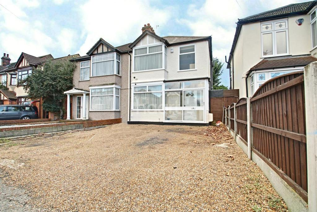 3 Bedrooms Semi Detached House for sale in Heath Park Road, Gidea Park