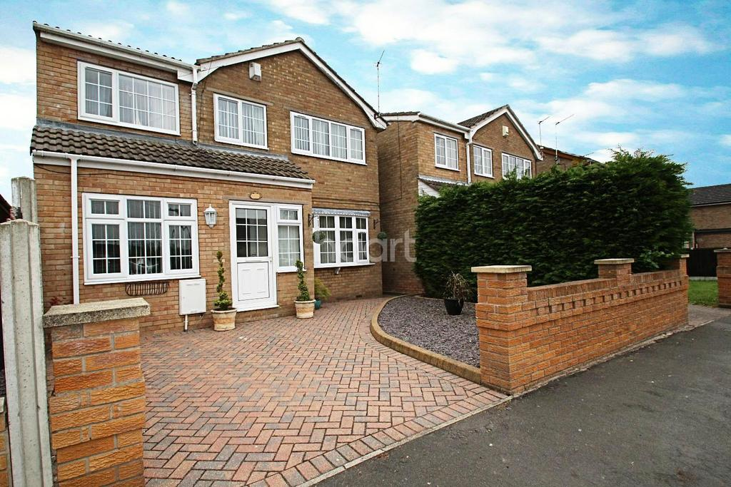 4 Bedrooms Detached House for sale in Warwick Close, Hatfield Woodhouse, Doncaster