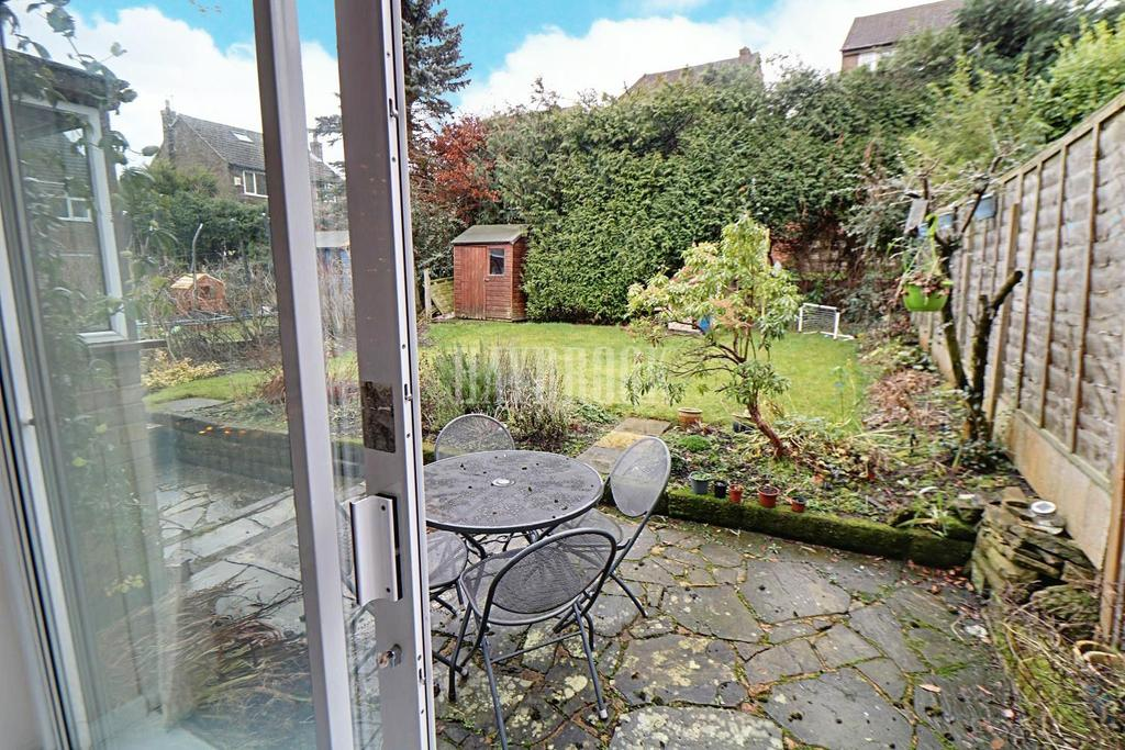 3 Bedrooms Semi Detached House for sale in St Quentin Close, Bradway, S17 4PL
