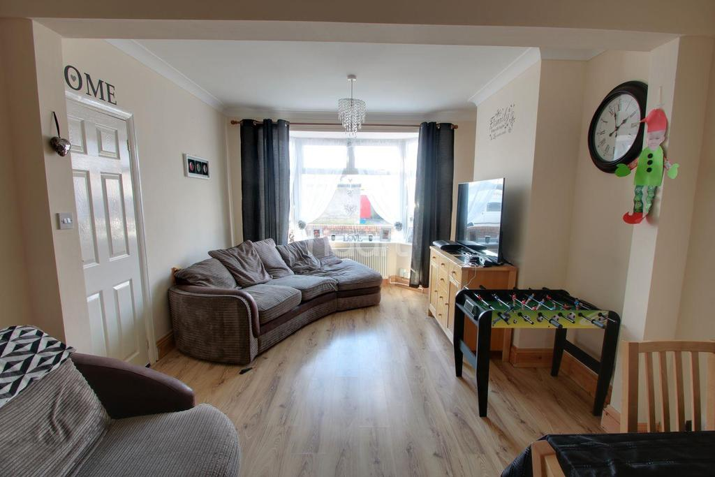 3 Bedrooms Semi Detached House for sale in Moorland Avenue, Newport