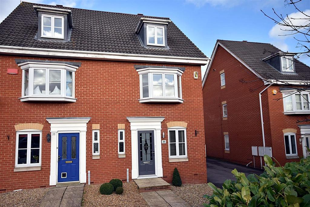 3 Bedrooms Semi Detached House for sale in Thurston Drive, Kettering