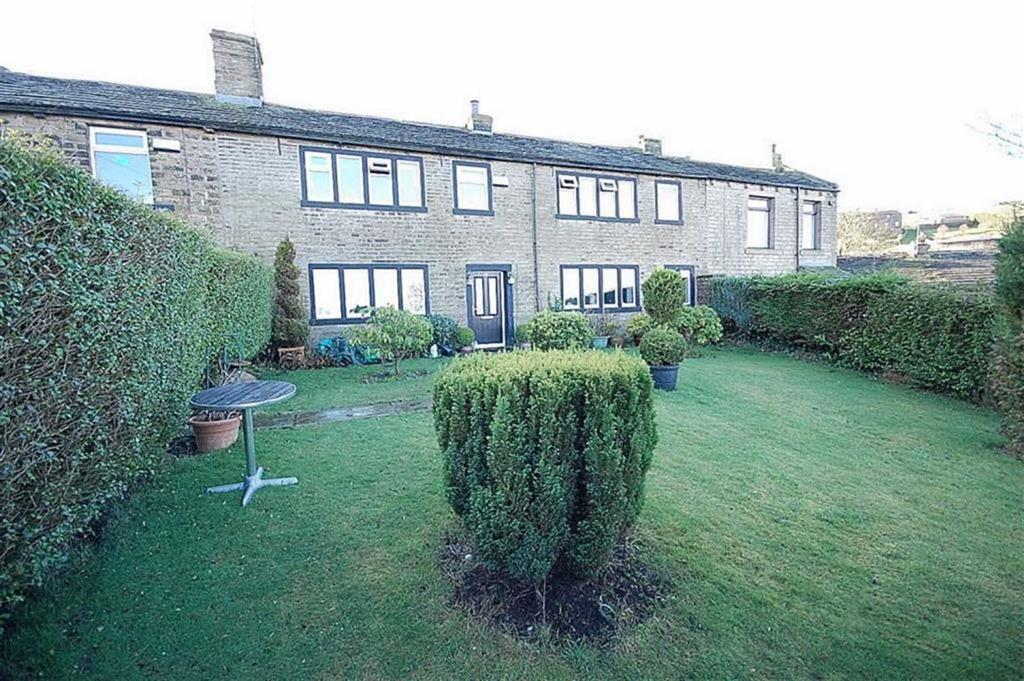 3 Bedrooms Terraced House for sale in Clay Pit Lane, Sowood, Halifax, HX4