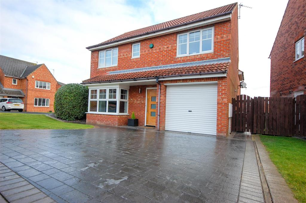 4 Bedrooms Detached House for sale in Stirling Close, The Broadway, Sunderland