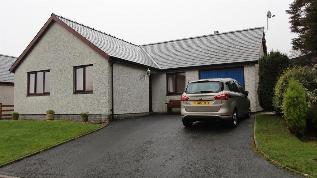 3 Bedrooms Detached Bungalow for sale in 22 Glan Ysgethin, Talybont, Gwynedd