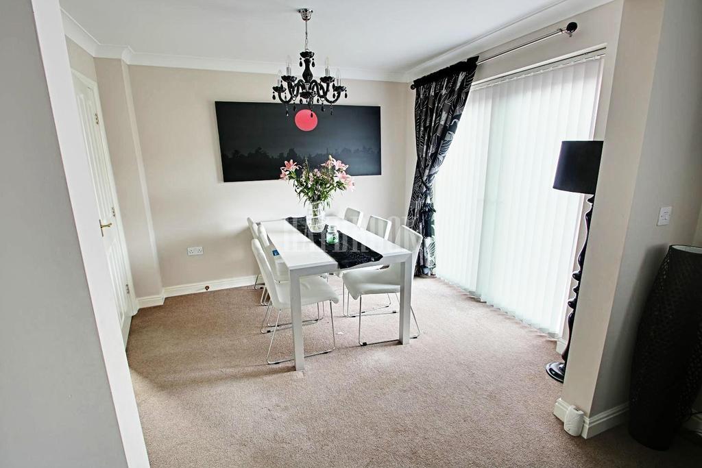 4 Bedrooms Detached House for sale in Brinsworth Grange, Brinsworth