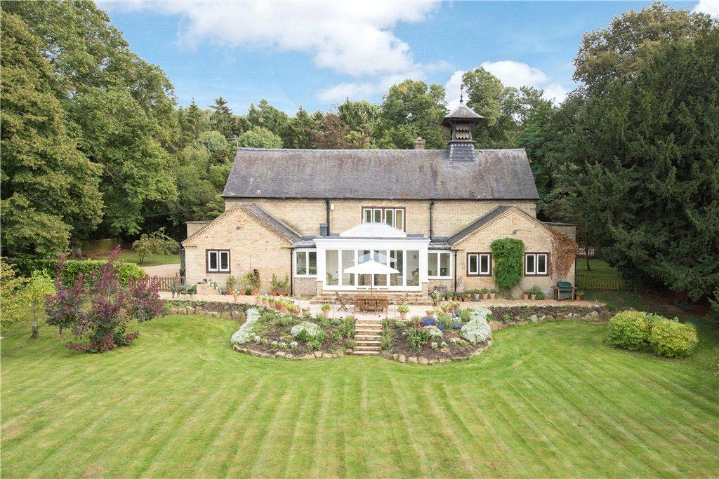 4 Bedrooms Unique Property for sale in The Village, Old Warden, Bedfordshire