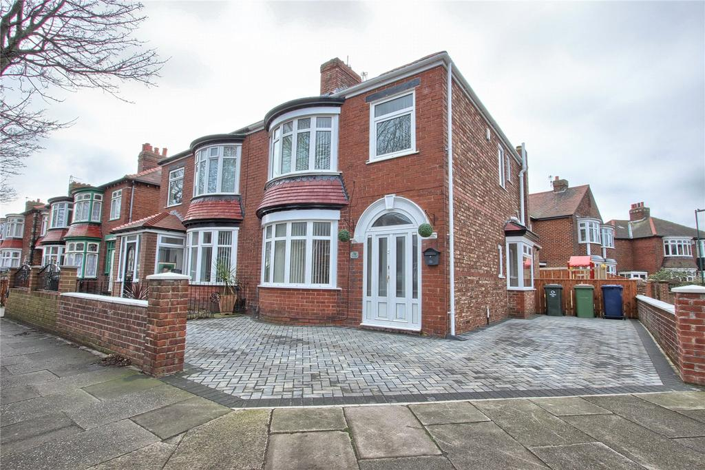 3 Bedrooms Semi Detached House for sale in Oak Road, Redcar