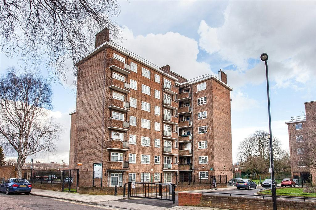 1 Bedroom Flat for sale in St. John's Court, Queens Drive, London, N4