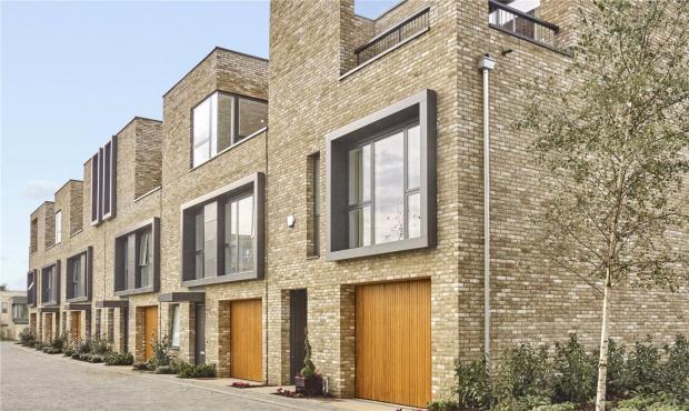 3 Bedrooms Town House for sale in Long Road, Cambridge