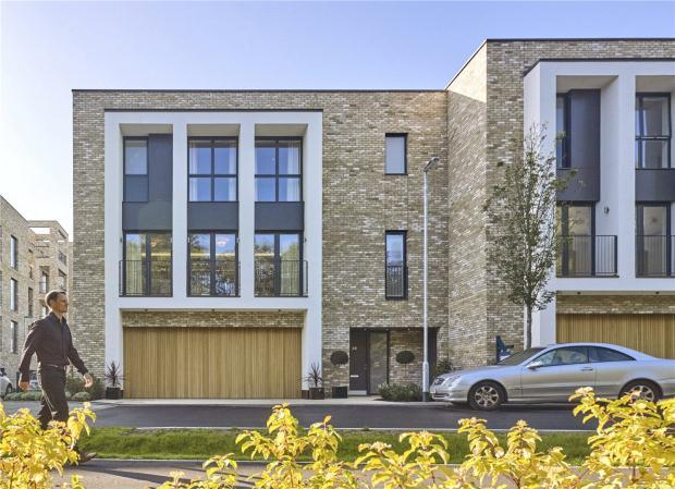 4 Bedrooms Terraced House for sale in Long Road, Cambridge