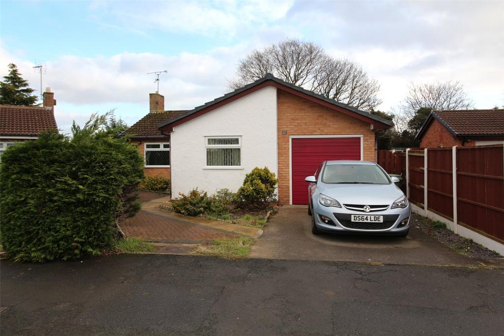 3 Bedrooms Detached Bungalow for sale in Northleigh Grove, Rhosddu, Wrexham, LL11
