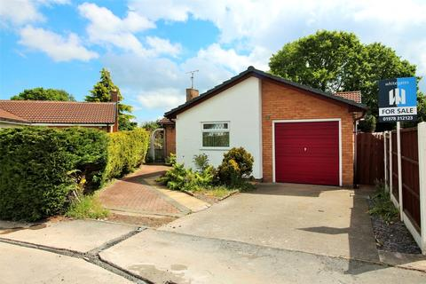 3 bedroom bungalow for sale - Northleigh Grove, Rhosddu, Wrexham, LL11