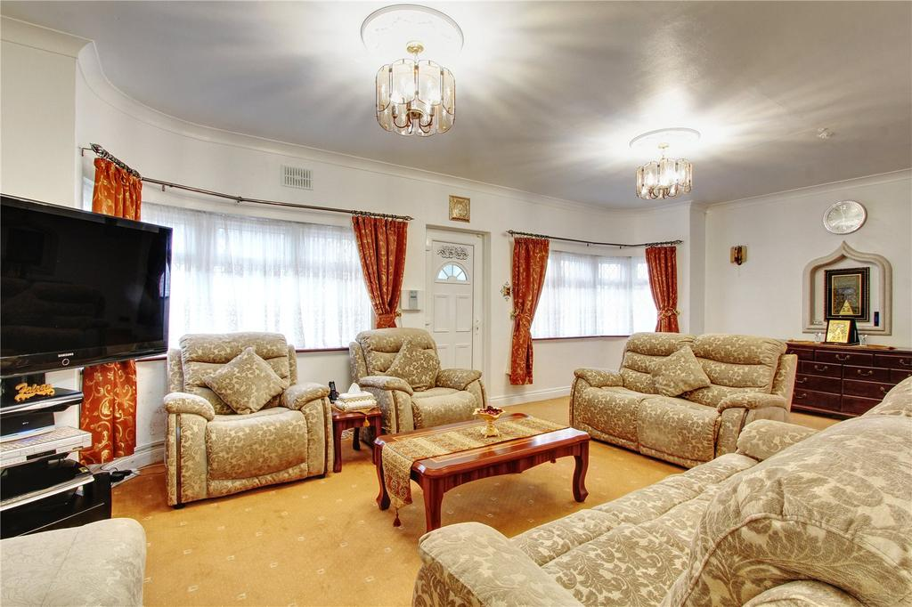 2 Bedrooms Semi Detached Bungalow for sale in Kinloch Drive, London, NW9