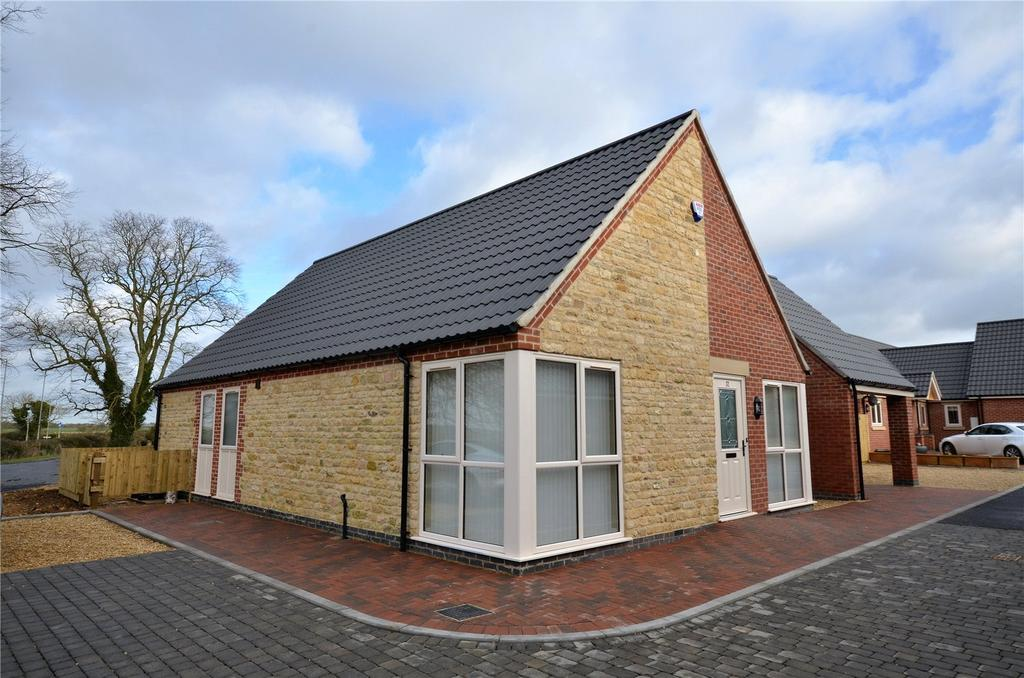 2 Bedrooms Semi Detached Bungalow for sale in Mere Road, Waltham on the Wolds, Melton Mowbray