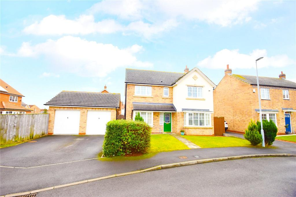 4 Bedrooms Detached House for sale in Bamburgh Drive, East Shore Village, Seaham, SR7