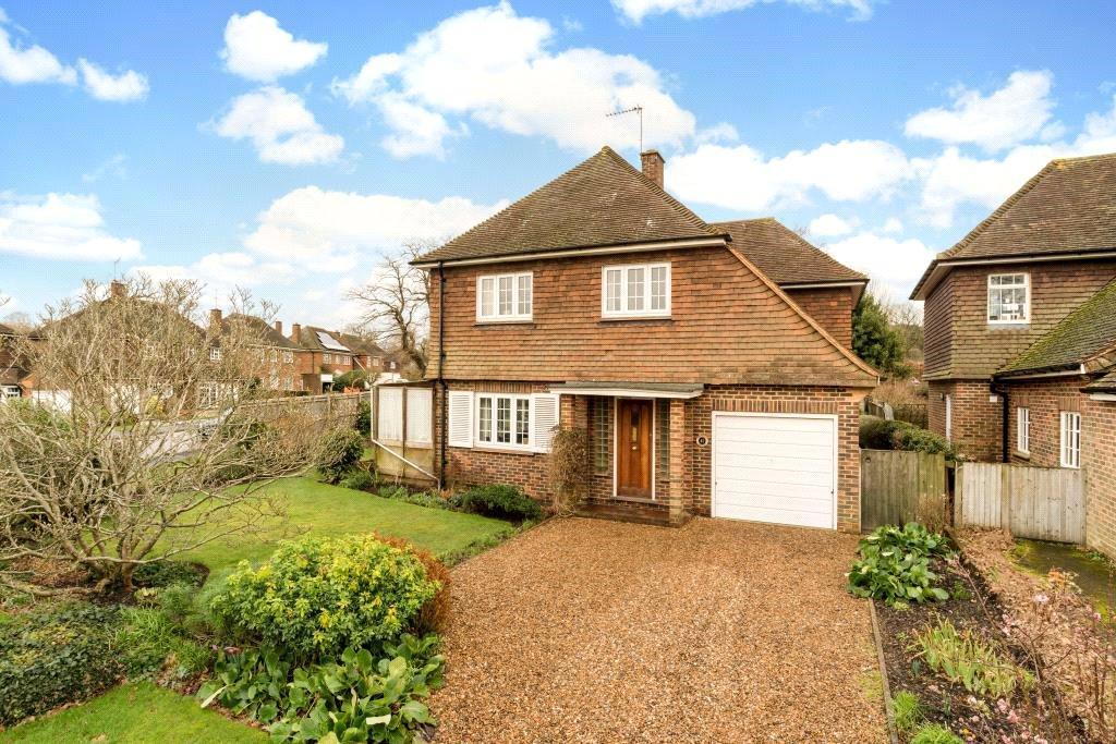 5 Bedrooms Detached House for sale in Woodlands Park, Guildford, Surrey, GU1