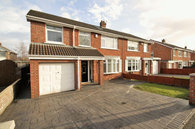 5 Bedrooms Semi Detached House for sale in Sadberge Grove, Fairfield, Stockton, TS19 7RN