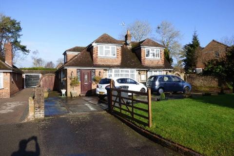 4 bedroom bungalow for sale - Horsham Road, Handcross