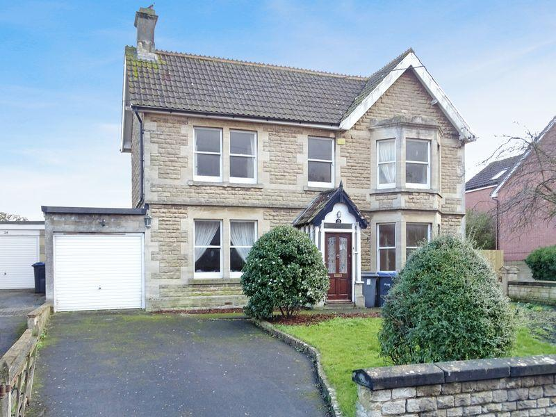 4 Bedrooms Detached House for sale in Forest Road, Melksham