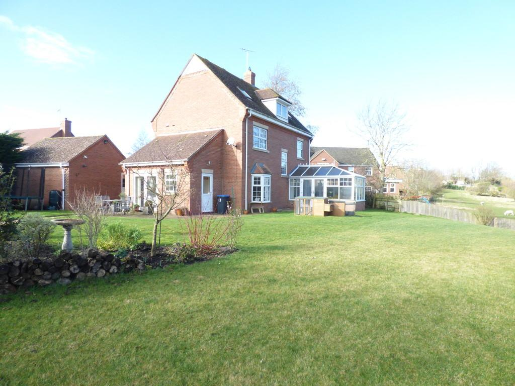 5 Bedrooms Detached House for sale in The Burrows, Newbold On Stour, Stratford-Upon-Avon