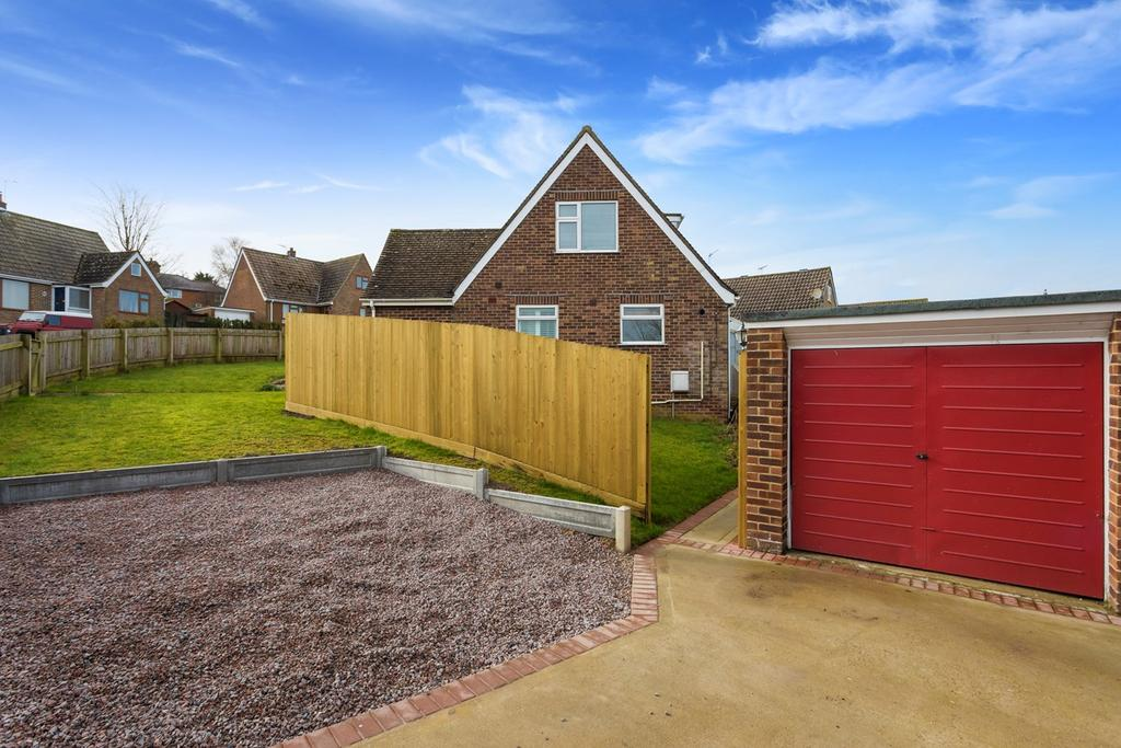 3 Bedrooms Detached House for sale in Tolsford Close, Etchinghill, Folkestone, CT18