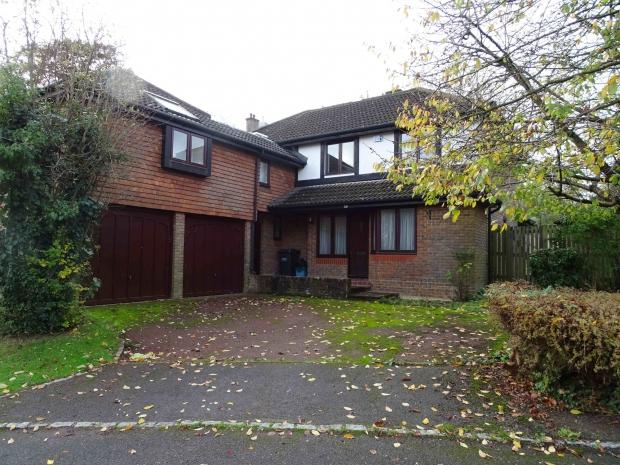 5 Bedrooms Detached House for rent in Russell Court Russell Hill Road, Purley, CR8