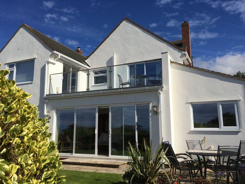 4 Bedrooms Detached House for sale in Melloncroft Drive, Caldy