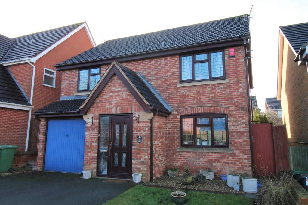 4 Bedrooms Detached House for sale in Petworth Drive, Market Harborough