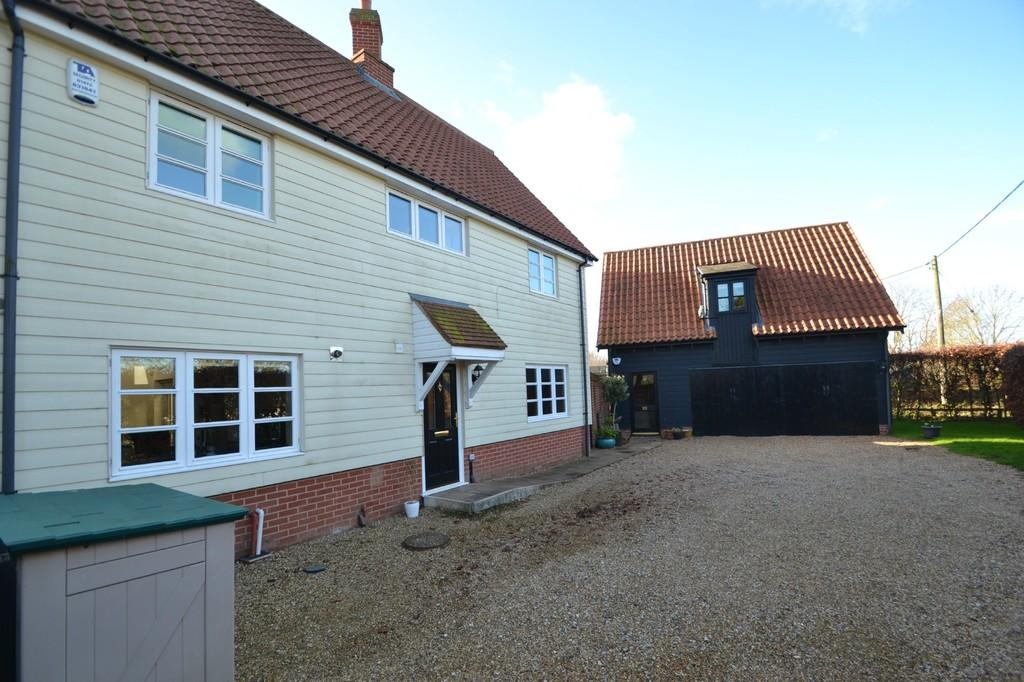 3 Bedrooms Link Detached House for sale in Black Barn Close, Lower Somersham, IP8 4PX