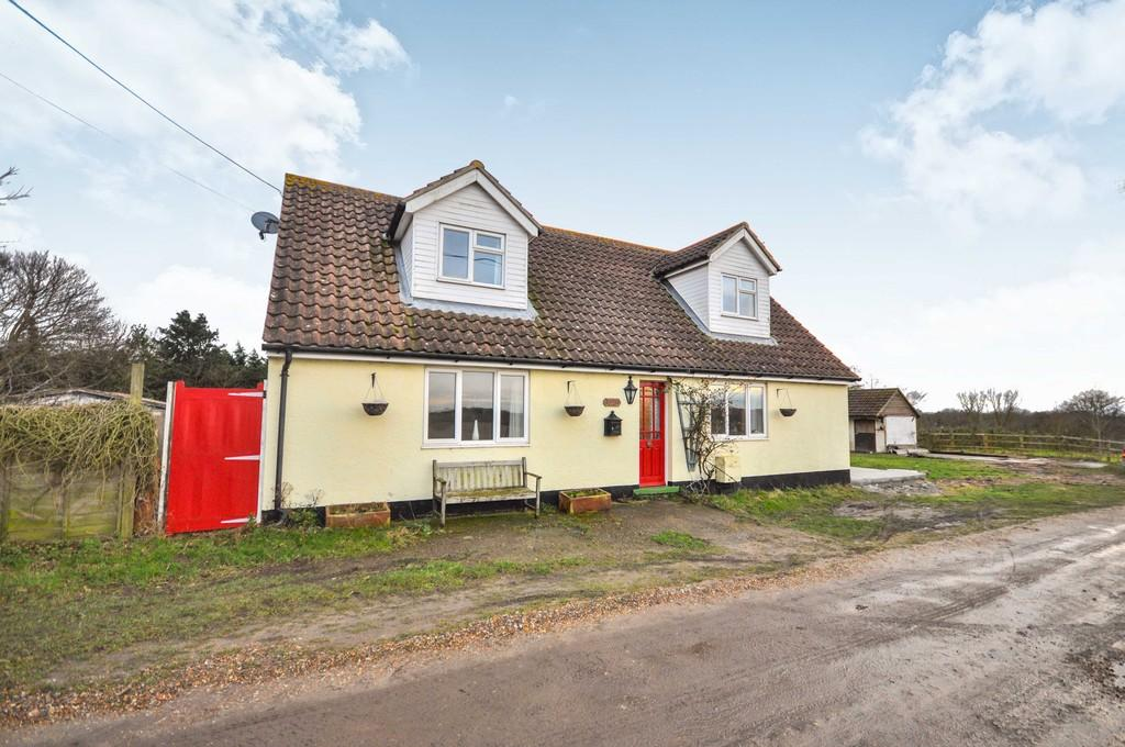 4 Bedrooms Detached House for sale in Holly Bush Hill, Great Bentley, CO7 8RH