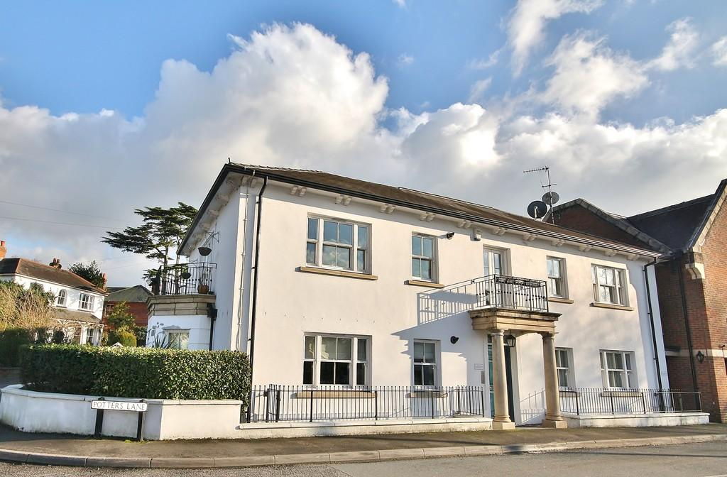 2 Bedrooms Apartment Flat for sale in Send, Woking