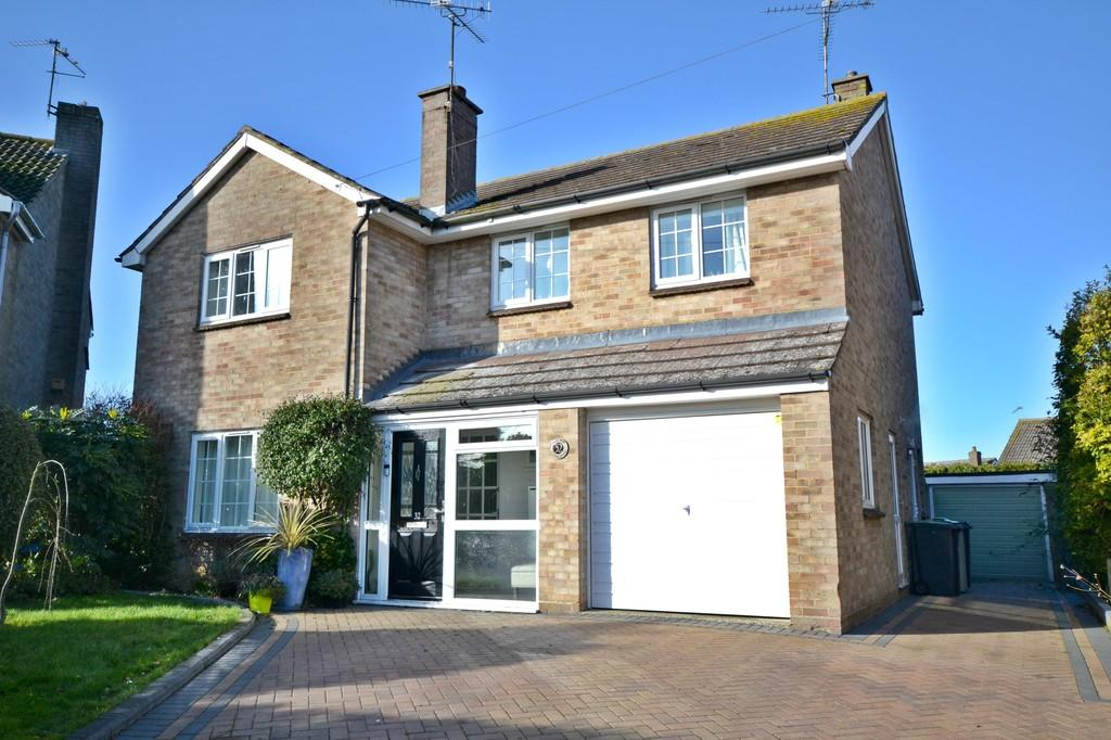 4 Bedrooms Detached House for sale in Loompits Way, Saffron Walden