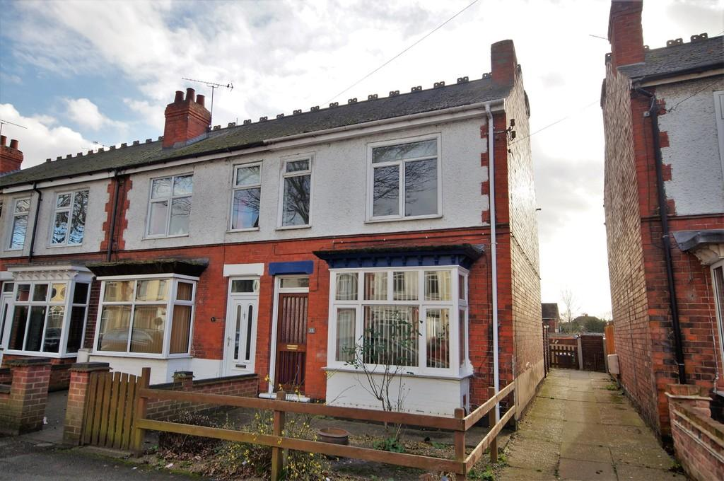 3 Bedrooms End Of Terrace House for sale in Church Drive, Lincoln