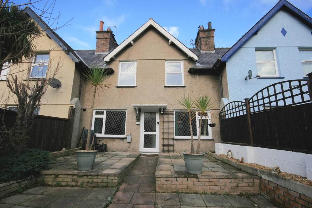 2 Bedrooms Terraced House for sale in 14 Nant Y Berllan, Llanfairfechan, LL33 0SN